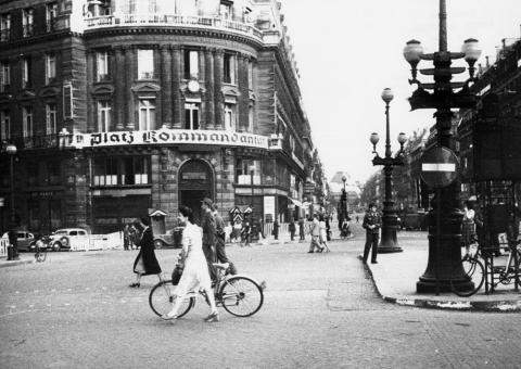 Photographie du siège de la kommandantur place de l'Opéra