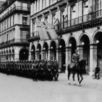 Défilé des soldats allemands rue de Rivoli