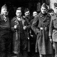 Jean Cavaillès (1903-1944), ici avec ses soldats durant la campagne de France
